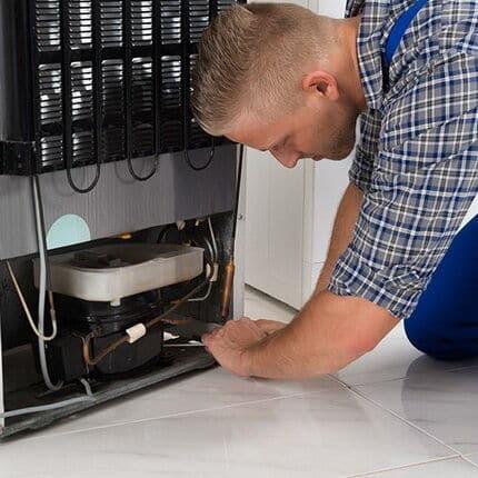 Основные поломки холодильника. Ремонт холодильников на дому плюсы и минусы.